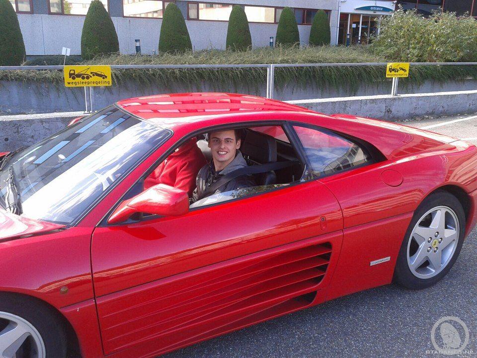 Ik In Een Ferrari