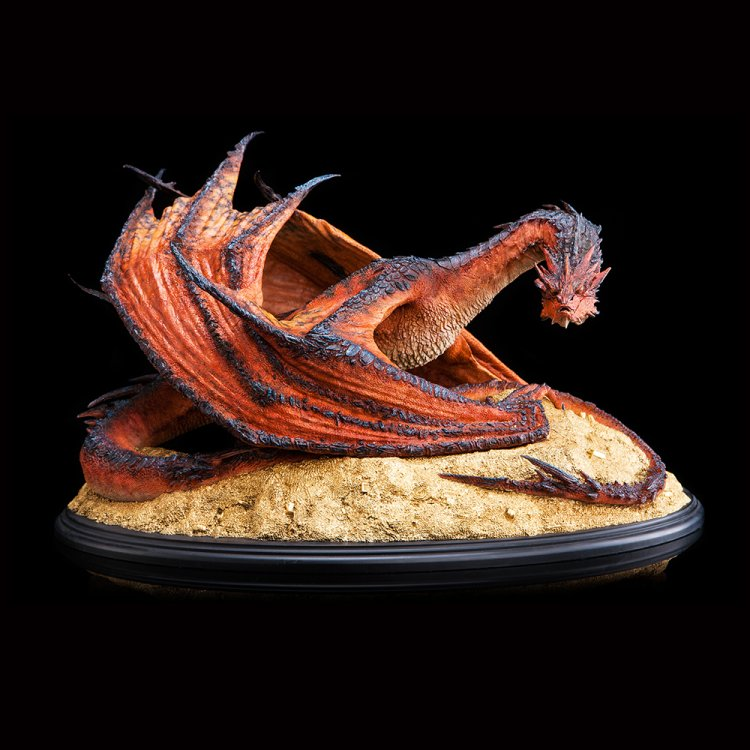 87-01-01436_Hobbit_Smaug_The_Terrible_002.jpg